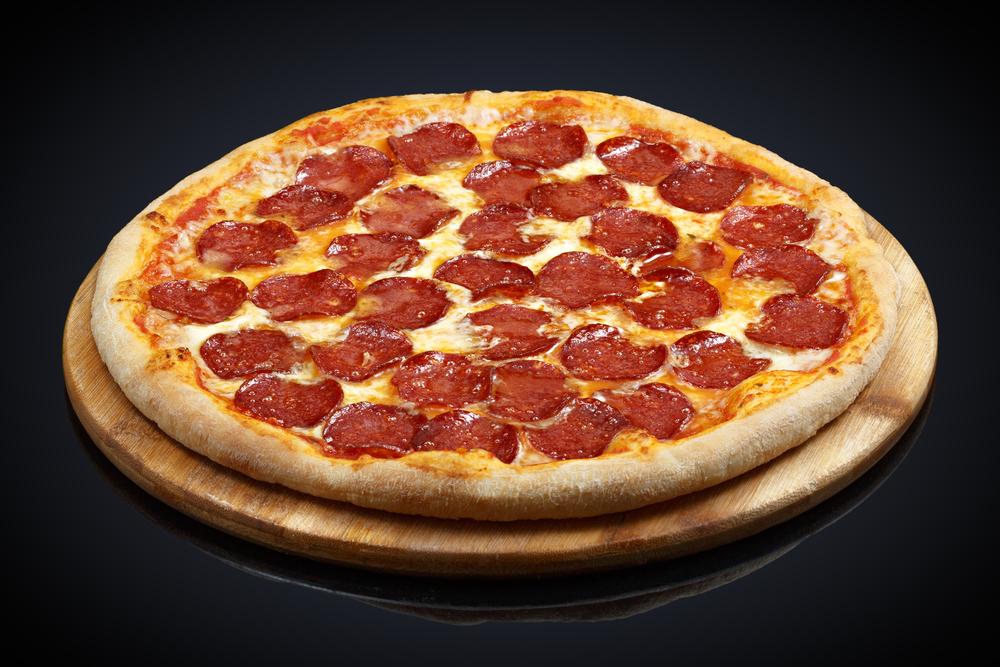 Lazlo Hanyecz buys two pizza for 10,000 Bitcoin