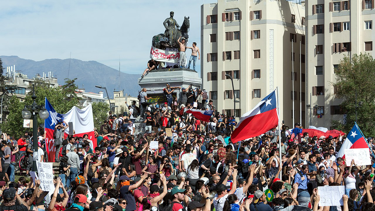 Chile: ATMs destroyed, shut down amid violent protests. Is a Bitcoin spike coming?