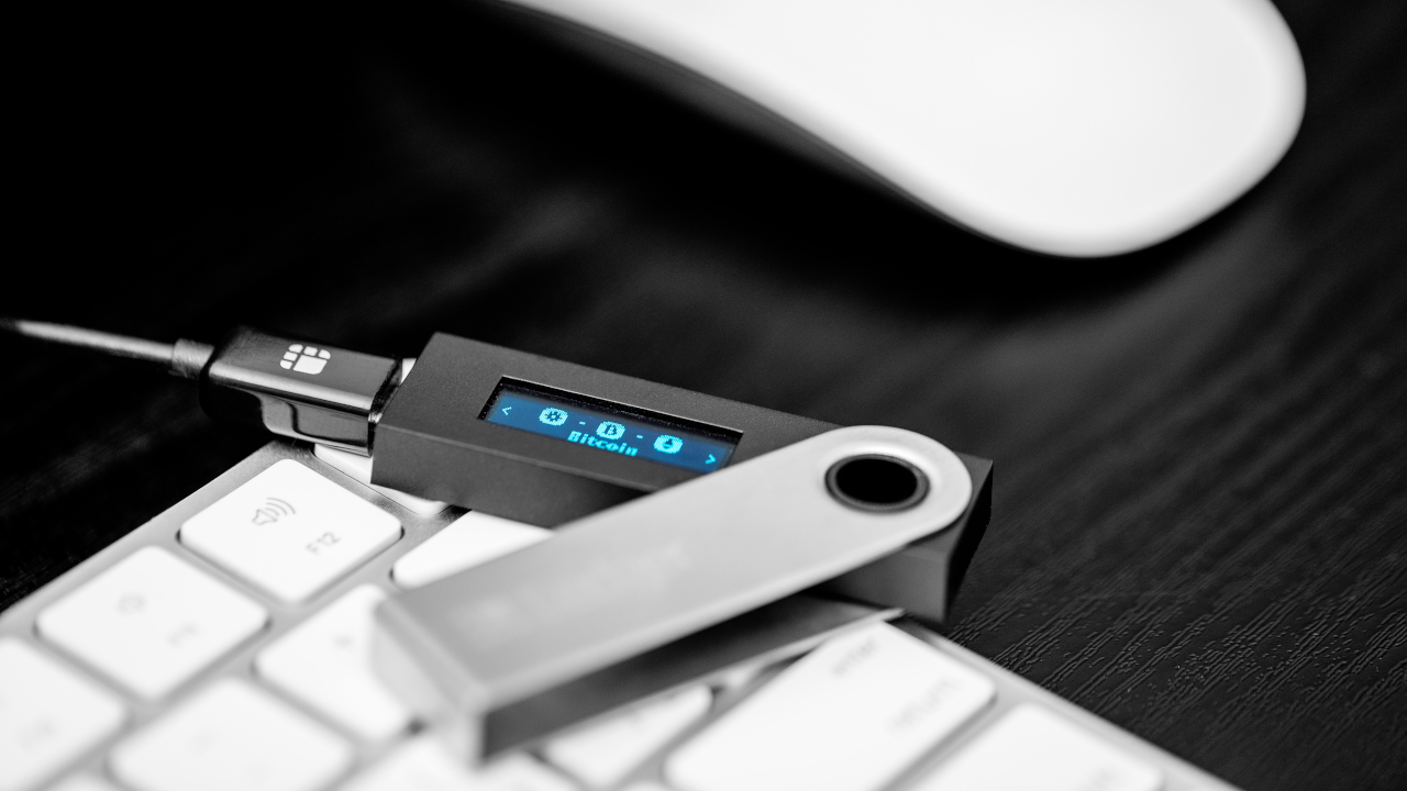 How to use your Ledger crypto wallet to secure Gmail, Facebook accounts